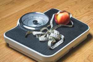 מדוע אנחנו עולים במשקל ככל שאנו מתבגרים?